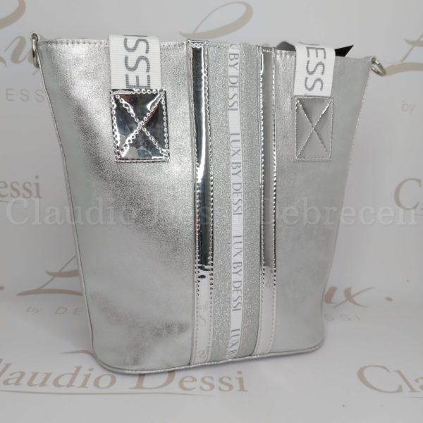 Lux by Dessi 511 koptatott ezüst válltáska