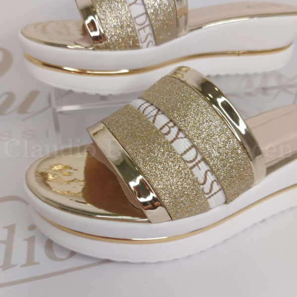 Lux by Dessi W-459 arany papucs