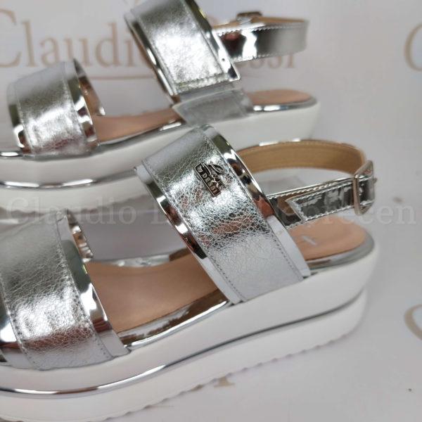 Lux by Dessi 639 ezüst szanda