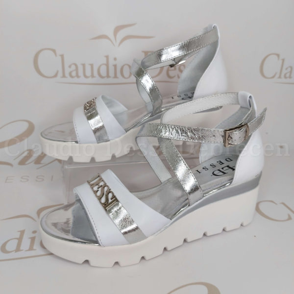 Lux by Dessi 09/2 fehér-ezüst szanda