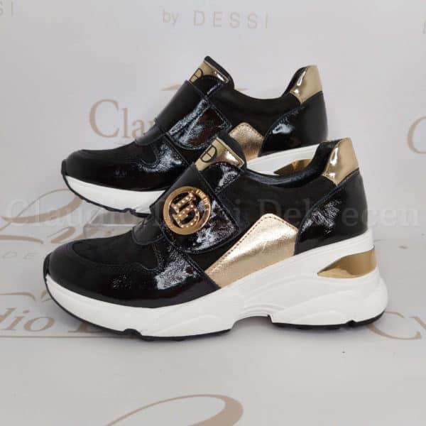 Lux by Dessi 776/5 feketeA sneaker